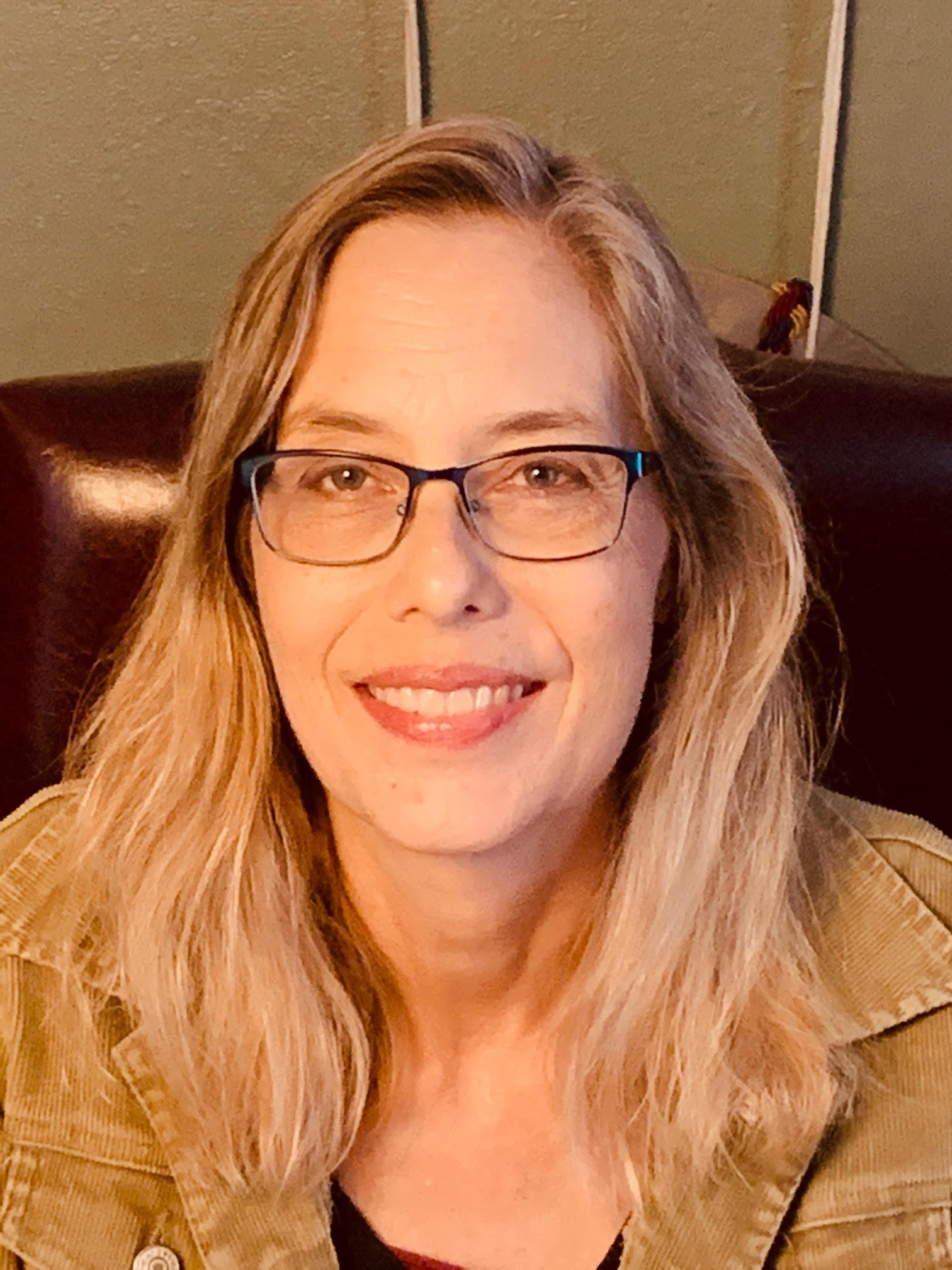online school teacher Holyde